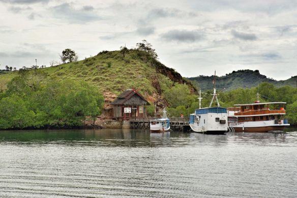 1g Dermaga Pulau Rinca