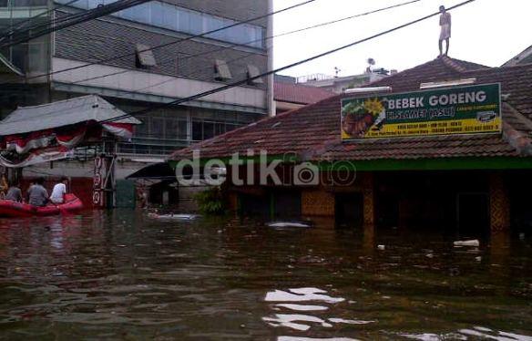 7 pluit-banjir-2