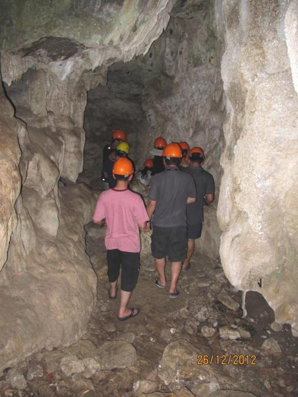 Goa Batu Cermin Labuan Bajo 8