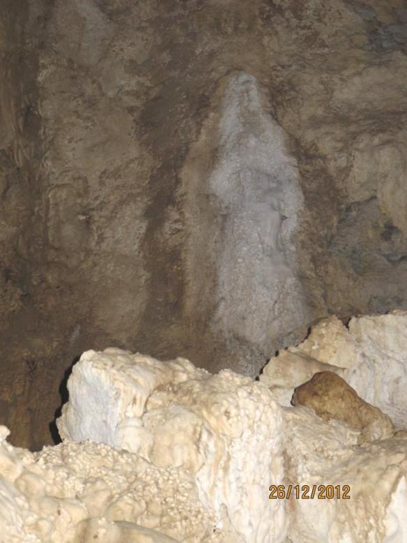 Goa Batu Cermin Labuan Bajo - Bunda Maria