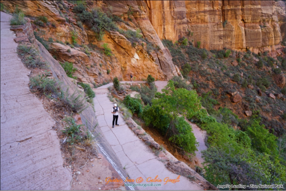 Hiking Angels Landing 2
