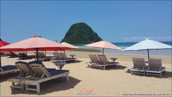 Pantai Pulau Merah 7