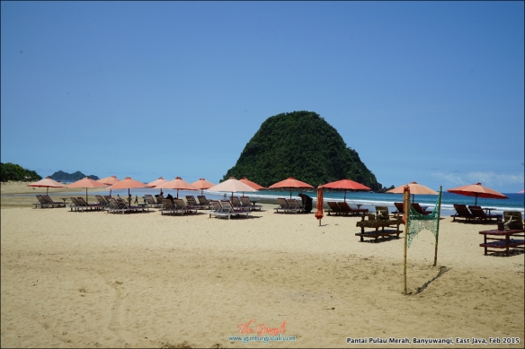 Pantai Pulau Merah 7b