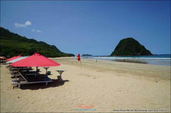 Pantai Pulau Merah 8